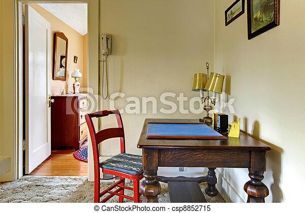 images de vieux bureau couloir anglaise charmer maison maison csp8852715 recherchez. Black Bedroom Furniture Sets. Home Design Ideas