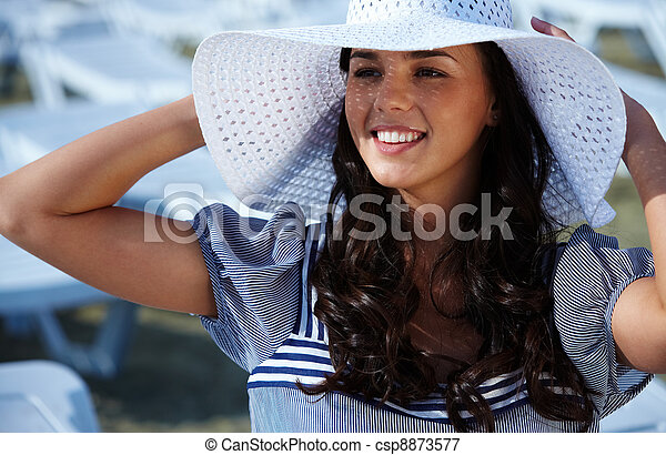 Woman in hat - csp8873577