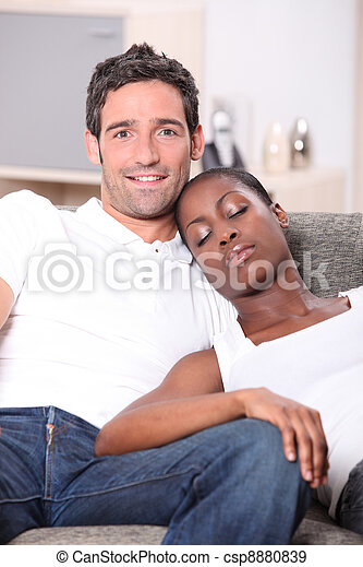 Femme noire cherche homme blanc