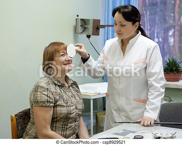 oculist and patient testing  eyesight   - csp8929521