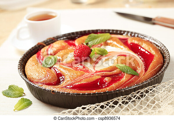 Cheese and strawberry sponge cake - csp8936574