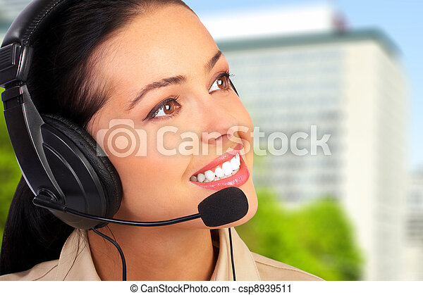 Call center operator woman. - csp8939511