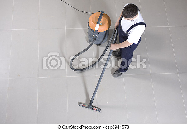 cleaning floor with machine - csp8941573