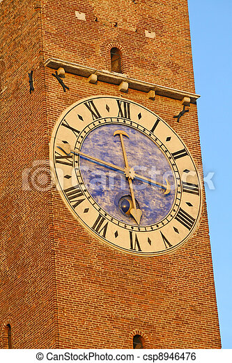 Tower in the center of the Palladian Basilica in Vicenza - csp8946476
