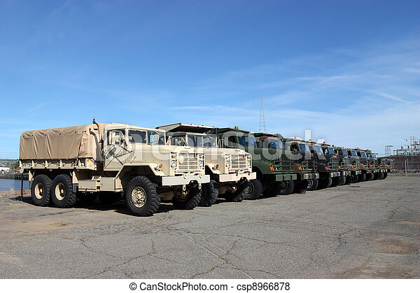 militäriska fordon - csp8966878