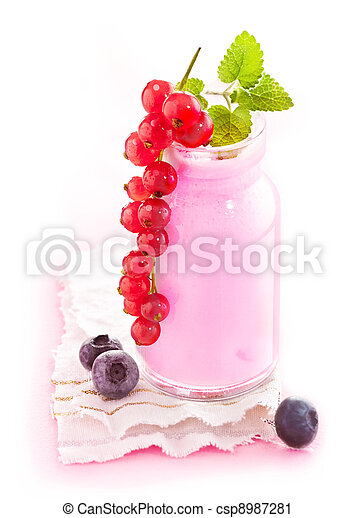 Healthy Berry Smoothie - csp8987281