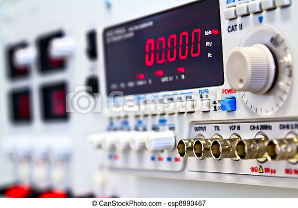 coaxial connectors of laboratory function generator with frequency counter - csp8990467