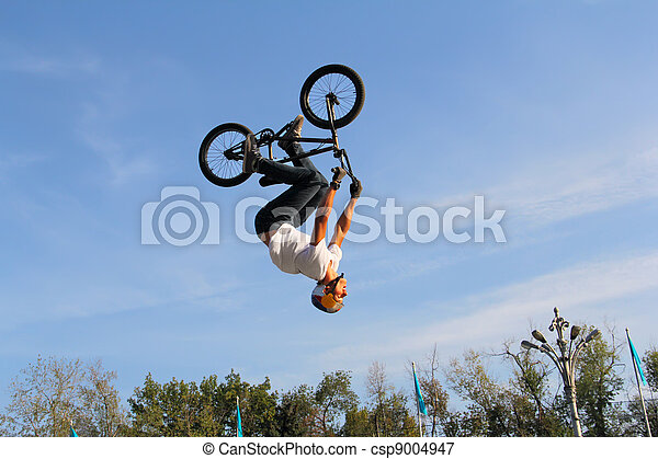 teenagers on bicycles bmx - csp9004947