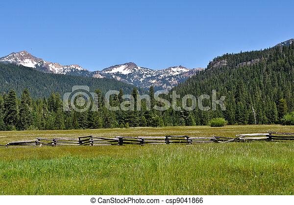 Lassen National Volcanic Park - csp9041866