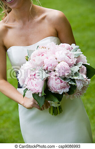 Wedding bouquet of pink flowers - csp9086993