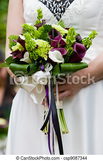 bridal wedding bouquet - csp9087344