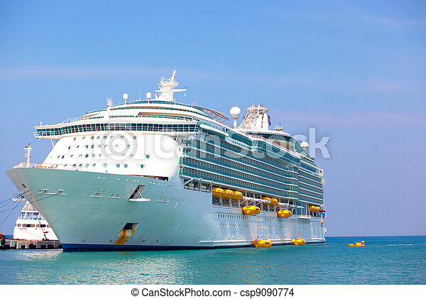 Holiday cruise liner - csp9090774