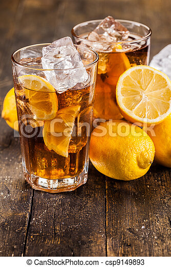 Lemon Ice Tea on wooden table - csp9149893