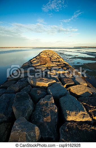 Long Stone Jetty on the Ottawa River - csp9162928