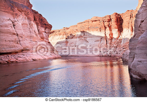 Pink Antelope Canyon Reflection Lake Powell Arizona - csp9186567