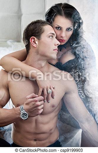 Sexy couple in romantic pose - csp9199903