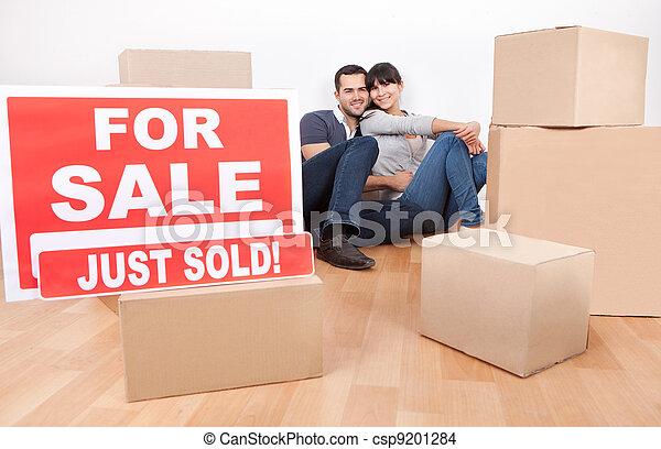 Couple moving into new house - csp9201284
