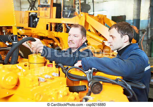 experienced industrial assembler workers - csp9216880