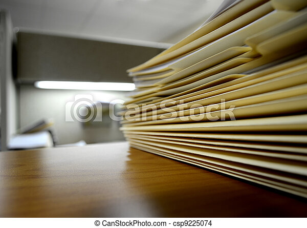 File Folders on Shelf or Desk - csp9225074