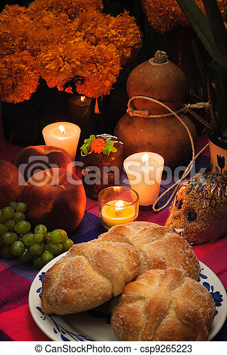 Mexican day of the dead offering altar (Dia de Muertos) - csp9265223