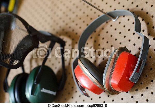 WORKING-TOOLS-WORKSHOP-PROTECTIVE-HEADPHONES - csp9299318