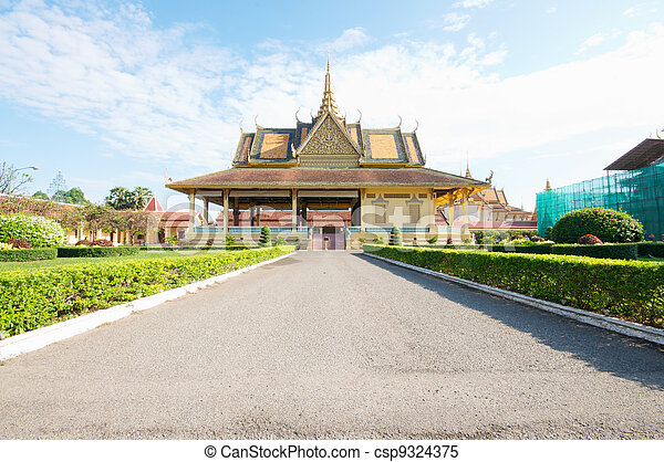 Royal Palace Phnom Penh, Cambodia  - csp9324375