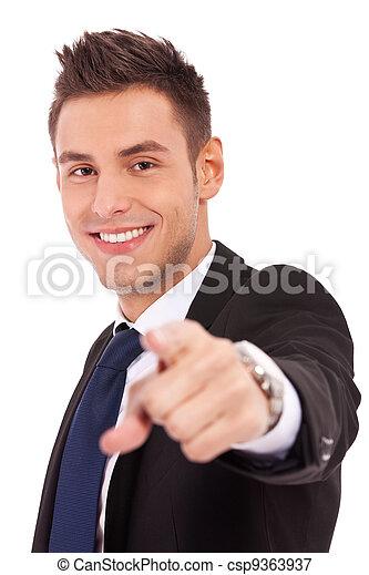 negócio, jovem, apontar, homem - csp9363937