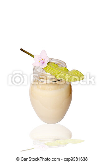 Nutritious vegetative cream - csp9381638