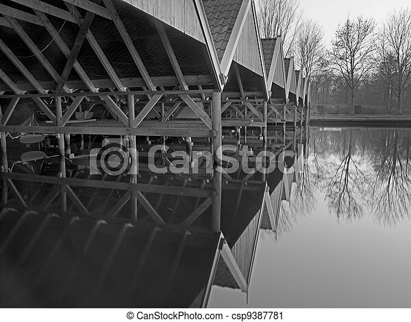 histórico, boathouse - csp9387781