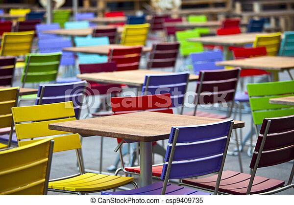 cafe tische und stühle