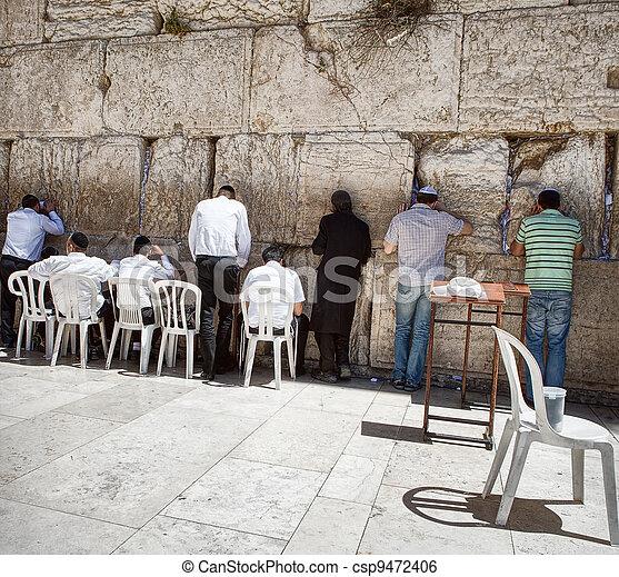 Jews at the wailing western wall in Jerusalem - csp9472406