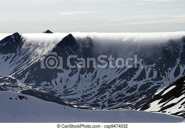 incomum, Nuvens, montanhas - csp9474032