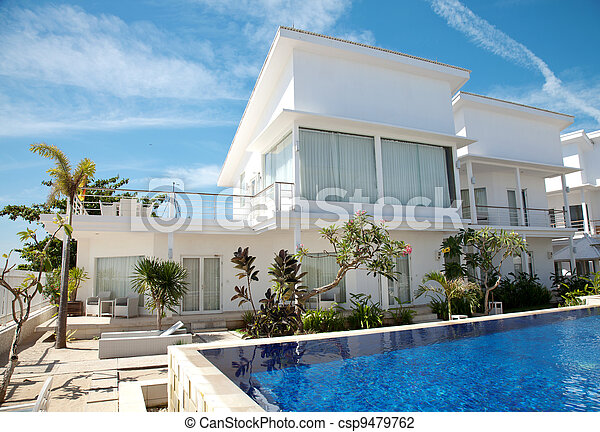 Luxury villa with swimming pool - csp9479762
