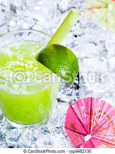 Fresh delicious lime smoothie - csp9482130