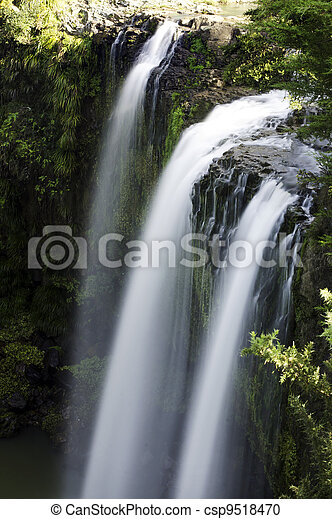 Nature - Waterfall - csp9518470