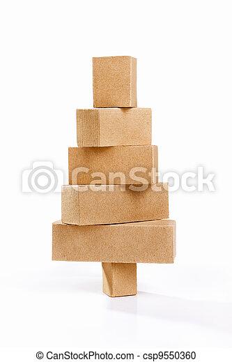 Stock de fotograf a de navidad rbol forma cart n for Arbol de navidad con cajas de carton