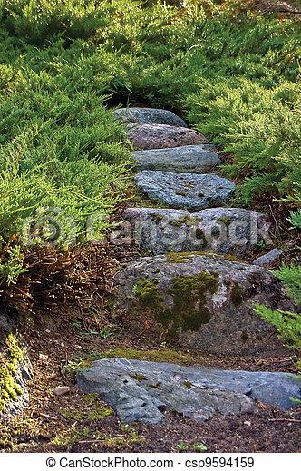 Stock fotografieken van trap zomer steen tuin weg graniet rots steegjes csp9594159 - Zomer keuken steen ...