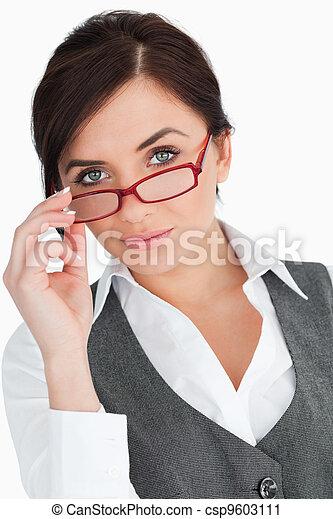 Stock fotografie van mooi blauwe eyed secretaresse het poseren tegen witte csp9603111 - Secretaresse witte ...