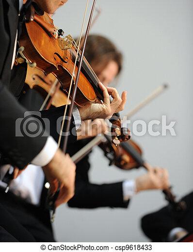 violinist - csp9618433