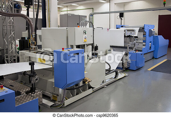 Offset press printing for labels - csp9620365