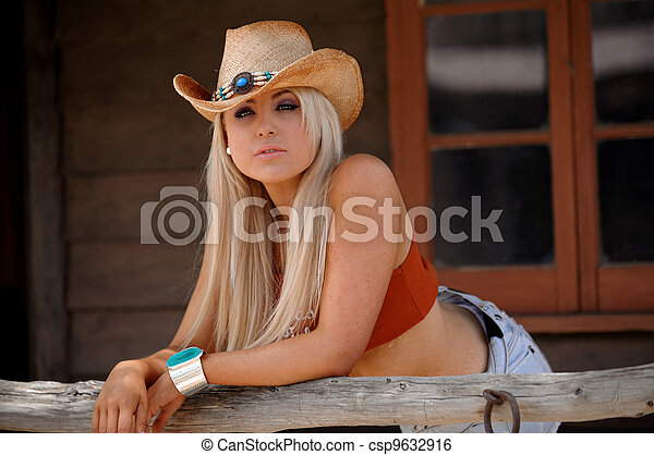 Sexy cowgirl - csp9632916