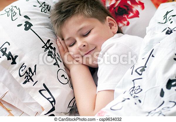 el, niño, era, dormido, almohada, chino, caracteres - csp9634032