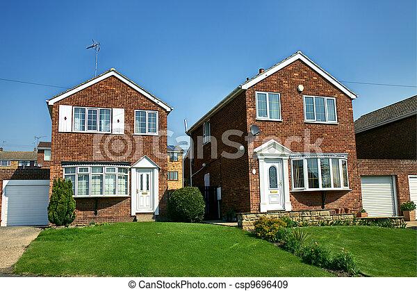 Banque de photographies de maison brique moderne for Maison anglaise typique plan