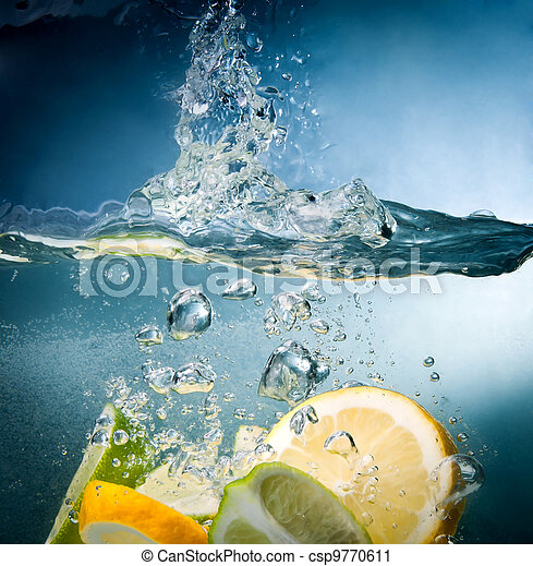 citrus fall into the water - csp9770611