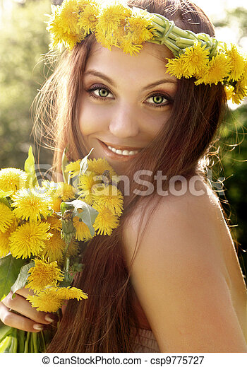 Attractive young summer girl - csp9775727