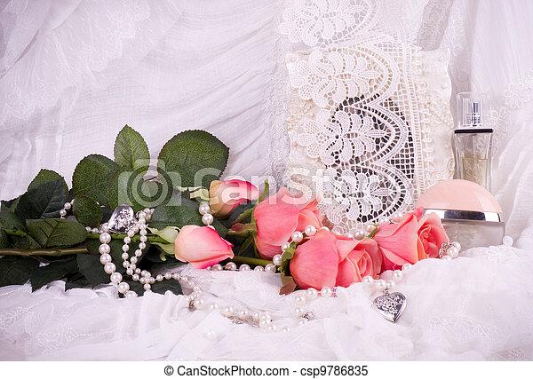 stock foto parf m flaschen rosa rosen stock bilder bilder lizenzfreies foto stock. Black Bedroom Furniture Sets. Home Design Ideas