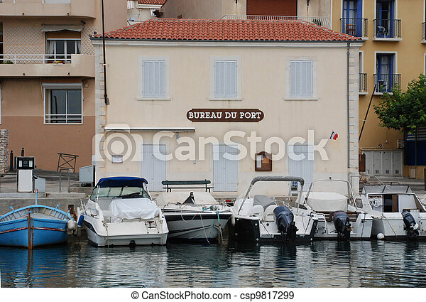 Bureau du port in Cassis - csp9817299