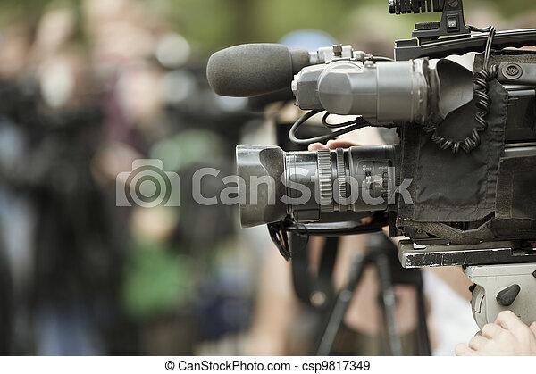 news shooting - csp9817349