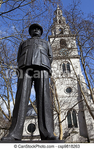 Bomber Harris Statue and St Clement Danes Church - csp9818263