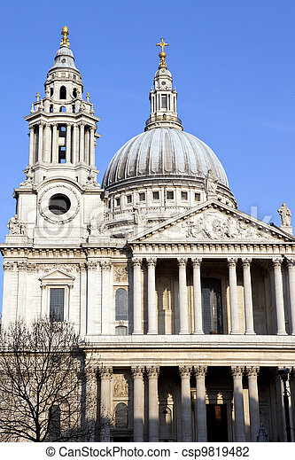 St. Paul's Cathedral in London - csp9819482